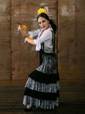 Saia Flamenca Gérbera Estampa Inverno e Preto